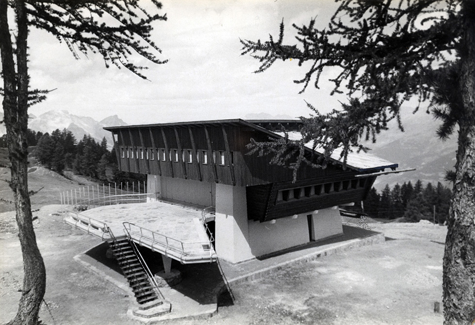 Carlo Mollino - Stazione-albergo al Lago Nero, Sauze d'Oulx, 1947 circa. Courtesy of Politecnico di Torino, sezione Archivi biblioteca
