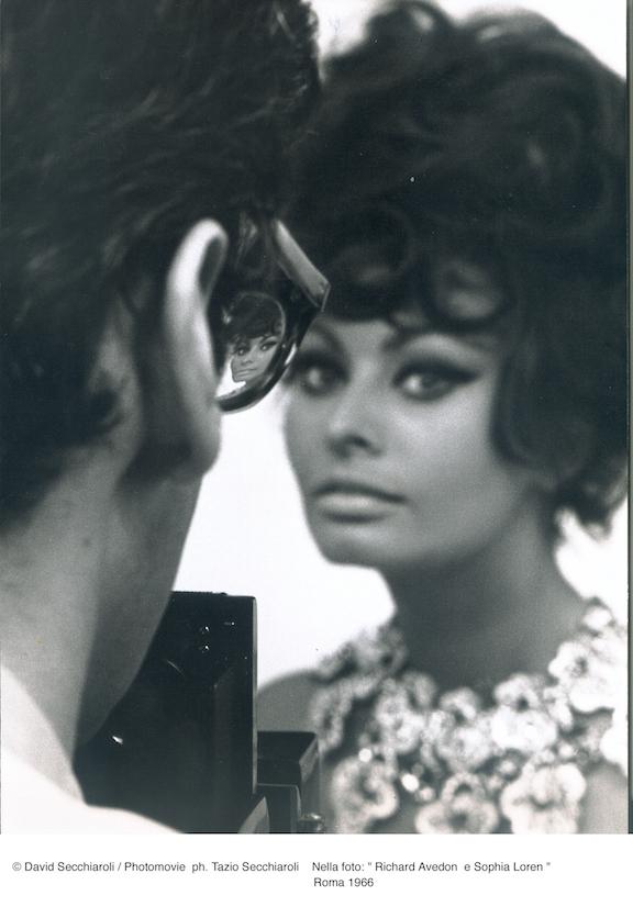 Foto di Tazio Secchiaroli, Richard Avedon e Sophia Loren, Roma 1966